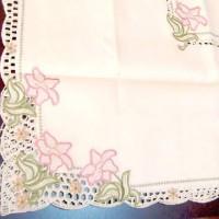 Скатерть с вышивкой Цветы ЛИЛИИ  130*180 см   425