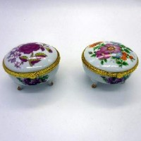 FF/ Шкатулка керамическая ЦВЕТЫ на ножках (1/144)6789-3